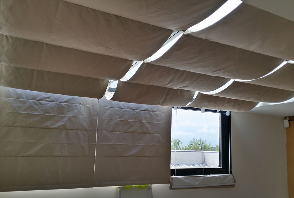 ROMAN BLINDS VILLA TENDE PACCHETTO SOFFITTO STORES ELECTRQUE MOTOR MOTTURA SILENTGLISSRichtone(HDR)